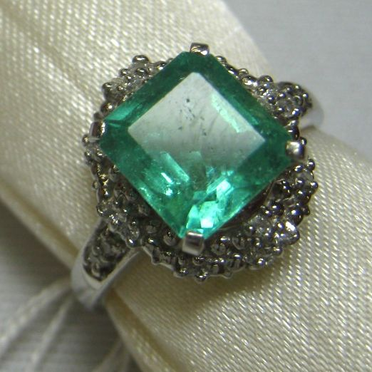 プラチナ900製 エメラルド指輪