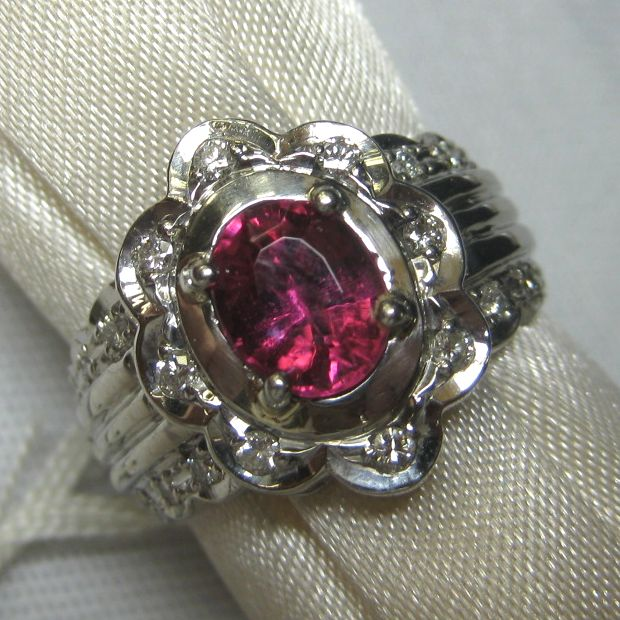 プラチナ900製 ピンクサファイア指輪